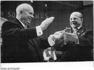 Photo: Chruschtschow und Ulbricht, VI. SED-Parteitag 16.1.1963, by Horst Sturm, Bundesarchiv Bild 183-B0116-0010-043, CC BY-SA 3.0 DE